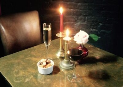 ICosy Wine Bar table candle